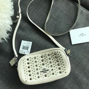 ❗️❗️NWT COACH white mini bag with studs